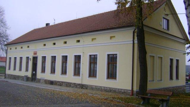 Projekt s nadací ČEZ- duhová energie v obci Hodonice 2012